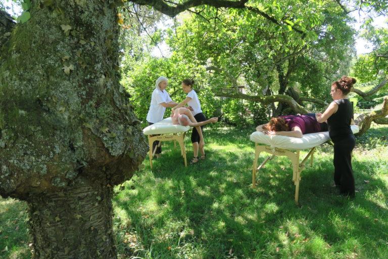 atelier massage dans la nature